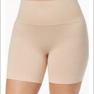 Shaping shorts